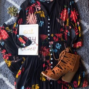 Dresses & Skirts - Floral Button Down Maxi Dress